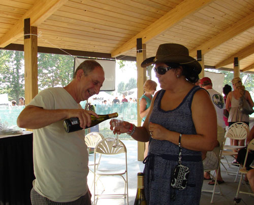 Nick Ferrante of Ferrante Winery with another happy customer